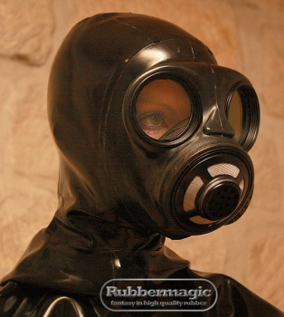 Canadian gas mask C3 with latex hood and zipper